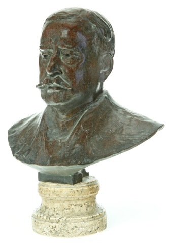 Oscar Mayer might not have set the art world on fire, but he knew how to make a good hotdog. This bust of the meat-industry giant sold for $588 at an auction conducted by Garth's. (Photo: Garth's Auctions)